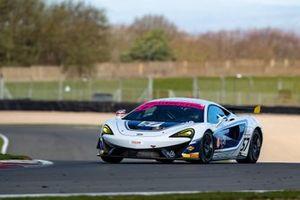 #57 HHC Motorsport McLaren 570S GT4: Callum Pointon, Dean MacDonald