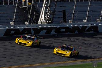 /w#3 Corvette Racing Corvette C7.R, GTLM: Jan Magnussen, Antonio Garcia, Mike Rockenfeller, #4 Corvette Racing Corvette C7.R, GTLM: Oliver Gavin, Tommy Milner, Marcel Fassler