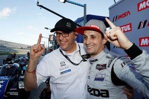 Pole Award winner #77 Mazda Team Joest Mazda DPi, DPi: Oliver Jarvis with Mazda Director of Motorsports John Doonan