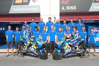 Гонщики Хоан Мир и Алекс Ринс, команда Team Suzuki Ecstar