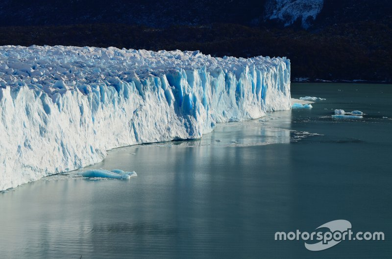 Одной из главных проблем мирового сообщества стал вопрос глобального потепления, который привел к началу подписания странами Киотского договора, обязывающего контролировать выбросы в атмосферу