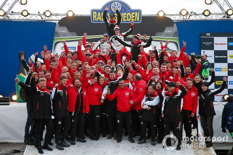 Shigeki Tomoyama, President, GAZOO Racing Company, Ott Tänak, Martin Järveoja, Toyota Gazoo Racing WRT team
