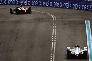 Felipe Massa, Venturi Formula E, Venturi VFE05, follows Robin Frijns, Envision Virgin Racing, Audi e-tron FE05