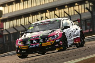 Michael Crees, Team Hard Volkswagen Passat CC