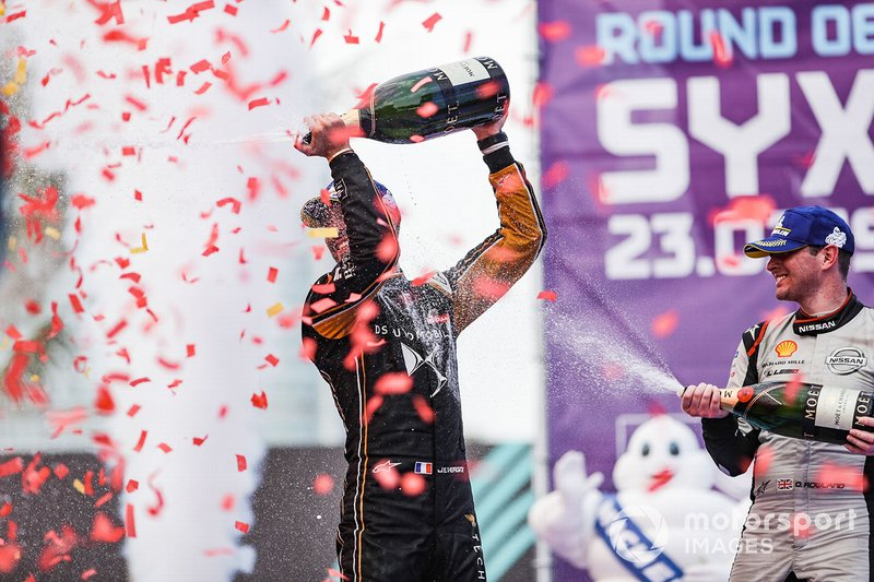 Jean-Eric Vergne, DS TECHEETAH, 1st position, celebrates on the podium with Oliver Rowland, Nissan e.Dams, 2nd position