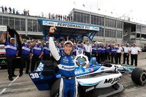 Ganador de la pole Takuma Sato, Rahal Letterman Lanigan Racing Honda