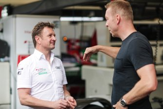 Allan McNish, Team Principal, Audi Sport Abt Schaeffler, talks to Olympic gold medalist Sir Chris Hoy