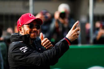 Lewis Hamilton, Mercedes AMG F1 takes a photograph of fans