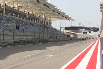 Extra starting lights on the front straight