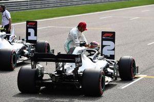 Lewis Hamilton, Mercedes AMG F1, with his car