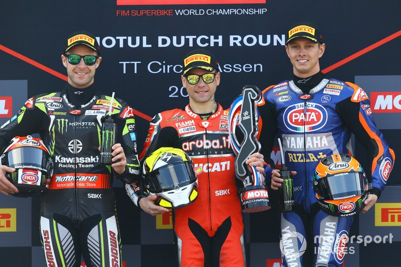 Jonathan Rea, Kawasaki Racing, Alvaro Bautista, Aruba.it Racing-Ducati Team, Michael van der Mark, Pata Yamaha, WorldSBK carrera 1, Assen 2019