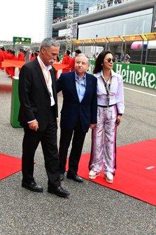 Чейз Кэри, президент FIA Жан Тодт и Мишель Йео