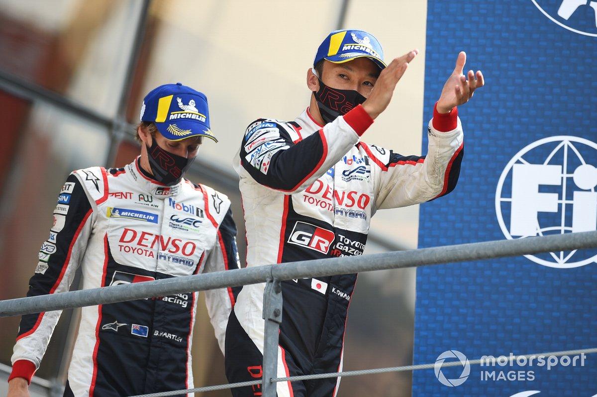 Podio: ganadores #8 Toyota Gazoo Racing Toyota TS050: Kazuki Nakajima, Brendon Hartley
