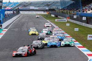 Start action, Loic Duval, Audi Sport Team Phoenix, Audi RS 5 DTM leads