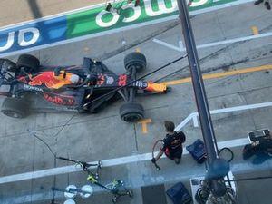Max Verstappen, Red Bull Racing RB16 na de crash