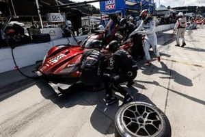 Arrêt au stand #55 Mazda Team Joest Mazda DPi, DPi: Jonathan Bomarito, Harry Tincknell, Ryan Hunter-Reay