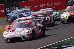 #25 Team Tsuchiya Porsche 911 GT3: Takamitsu Matsui, Kimiya Sato