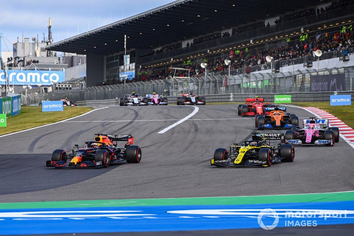 Max Verstappen, Red Bull Racing RB16, Daniel Ricciardo, Renault F1 Team R.S.20, Sergio Perez, Racing Point RP20, Carlos Sainz Jr., McLaren MCL35, e Charles Leclerc, Ferrari SF1000