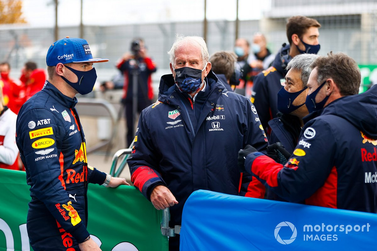 Max Verstappen, Red Bull Racing, 2a posizione, con Helmut Marko, Consulente, Red Bull Racing, Masashi Yamamoto, General Manager, Honda Motorsport, e Christian Horner, Team Principal, Red Bull Racing, nel parco chiuso