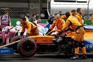 Lando Norris, McLaren MCL35, arrives on the grid