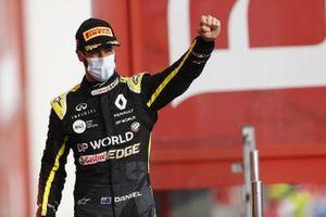 Daniel Ricciardo, Renault F1, 3° posto, sul podio