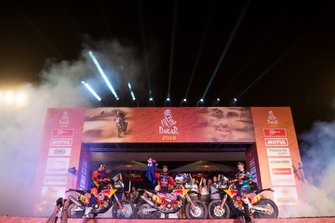 Сэм Сандерленд (№14) Тоби Прайс (№3) и Маттиас Валькнер, KTM Factory Racing Team, KTM 450 (№1)
