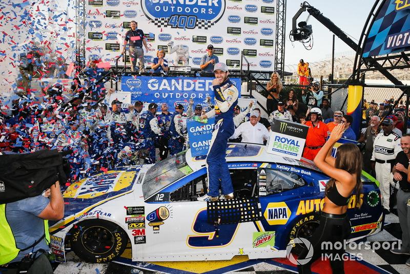 Победитель гонки Чейс Эллиотт, Hendrick Motorsports, Chevrolet Camaro NAPA Auto Parts