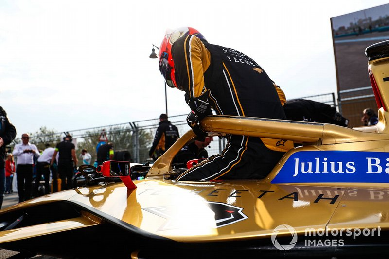 Jean-Eric Vergne, DS TECHEETAH climbs out of his DS E-Tense FE19 on the grid