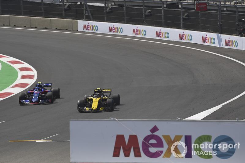Carlos Sainz Jr, Renault Sport F1 Team R.S. 18 y Pierre Gasly, Scuderia Toro Rosso STR13