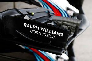 إسم رالف ويليامز على الجناح الامامي لسيارة ويليامز