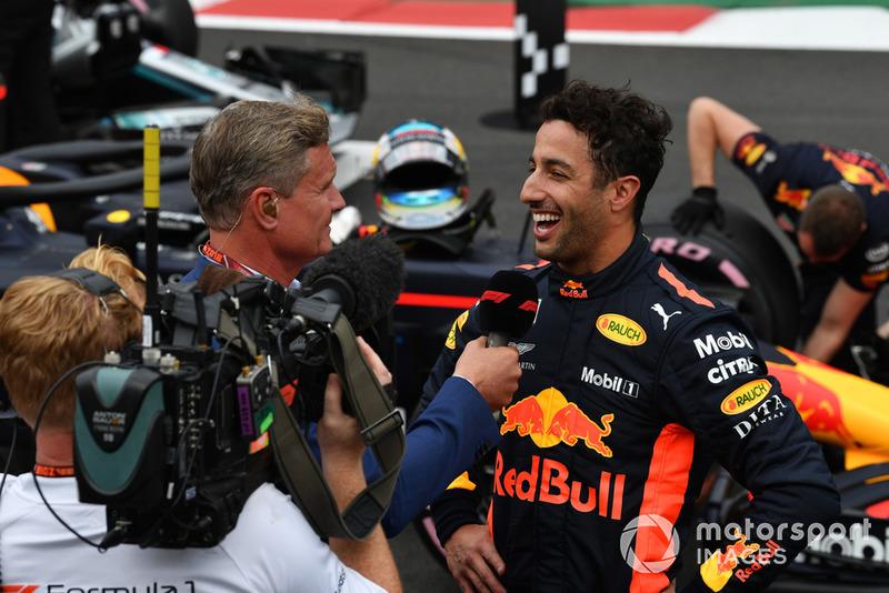David Coulthard, Channel 4 F1, parla con Daniel Ricciardo, Red Bull Racing, nel parco chiuso