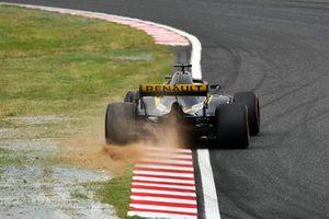 Tête-à-queue et accident pour Nico Hulkenberg, Renault Sport F1 Team R.S. 18