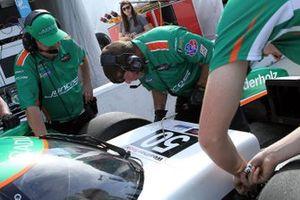 #50 Juncos Racing Cadillac DPi crew makes adjustments
