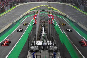 Sebastian Vettel, Ferrari SF71H, Charles Leclerc, Sauber C37 y Nico Hulkenberg, Renault Sport F1 Team R.S. 18