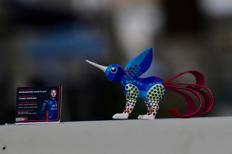 Alebrijes sculpture for Brendon Hartley, Scuderia Toro Rosso