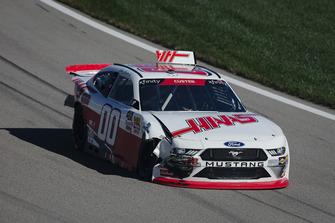 Cole Custer, Stewart-Haas Racing, Ford Mustang Haas Automation with crash damage