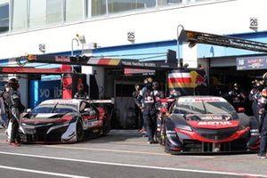 #64 Modulo NSX-GT, #16 Red Bull MOTUL MUGEN NSX-GT