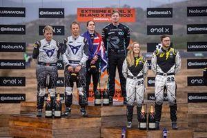 1ª posición, Molly Taylor, Johan Kristoffersson, Rosberg X Racing, 2ª posición, Jutta Kleinschmidt, Mattias Ekstrom, ABT CUPRA XE, 3ª posición, Mikaela Ahlin-Kottulinsky, Kevin Hansen, JBXE Extreme-E Team