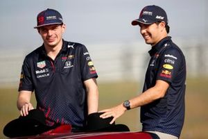 Max Verstappen, Red Bull Racing and Sergio Perez, Red Bull Racing, poses with a Honda NSX
