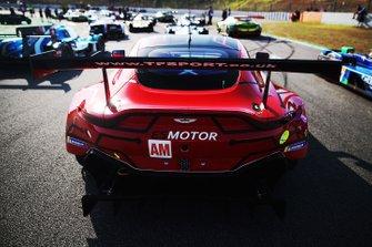 #90 TF Sport Aston Martin Vantage: Salih Yoluc, Charlie Eastwood