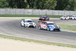 Igor Stefanovski, Cupra TCR, davanti a Matteo Greco, Scuderia del Girasole by Cupra Racing, Cupra TCR