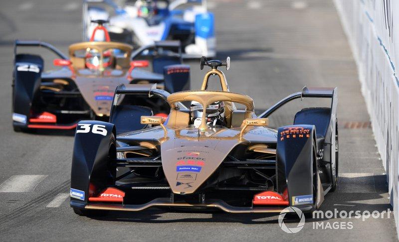 Формула Е. Победитель серии в командном зачете – DS Techeetah