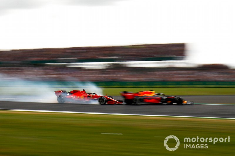Sebastian Vettel, Ferrari locks up and runs into the back of Max Verstappen, Red Bull Racing RB15