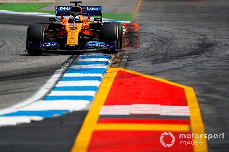 7 - Carlos Sainz Jr., McLaren MCL34 - 1'12.897