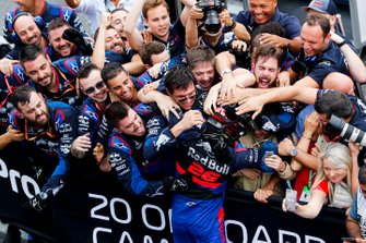 Third place Daniil Kvyat, Toro Rosso celebrates with his team in Parc Ferme