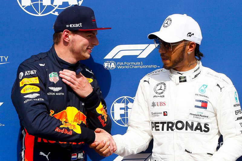 Pole Sitter Lewis Hamilton, Mercedes AMG F1, second place Max Verstappen, Red Bull Racing, p