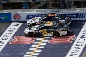 Austin Dillon, Richard Childress Racing, Chevrolet Camaro Chevrolet Accessories David Ragan, Front Row Motorsports, Ford Mustang MDS Transport