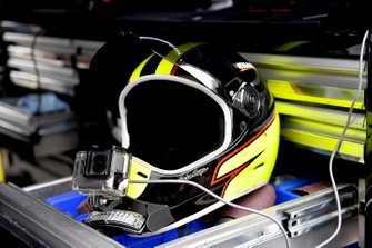 Paul Menard, Wood Brothers Racing, Ford Mustang Menards / Dutch Boy helmet