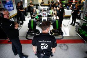 Haas F1 monteurs