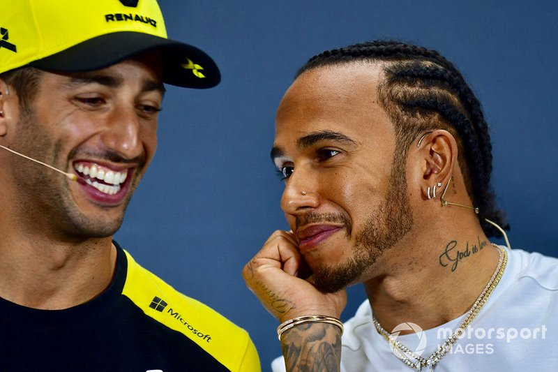 Lewis Hamilton, Mercedes AMG F1 e Daniel Ricciardo, Renault F1 Team alla conferenza stampa